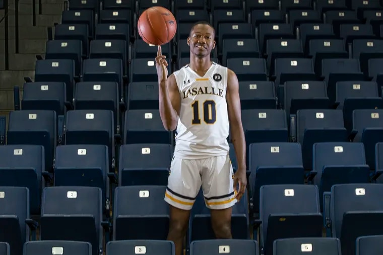 La Salle basketball player Isiah Deas