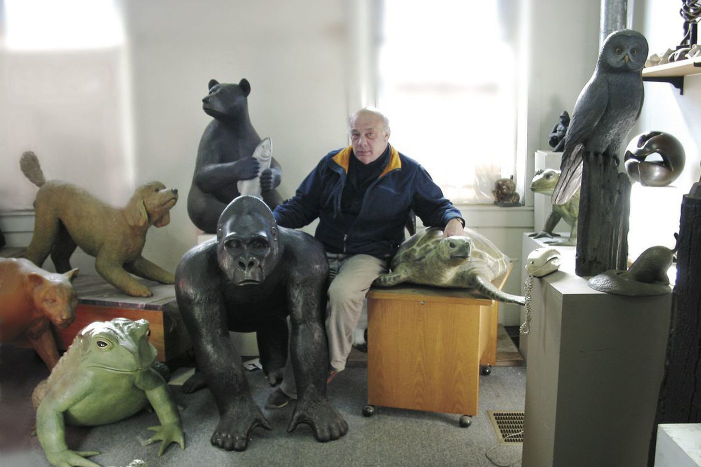 Eric Berg, sculptor whose creations include Reading Terminal's Philbert the pig, dies at 74