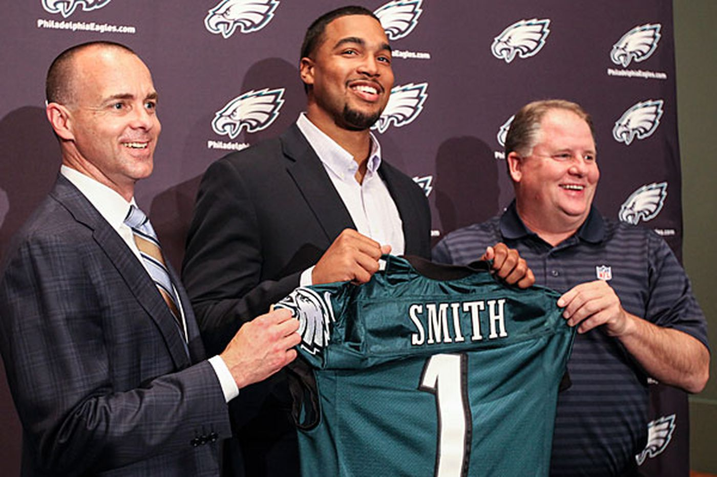 Ex-Eagle Marcus Smith details suicide attempt, reminding us that draft busts are people, too   Early Birds