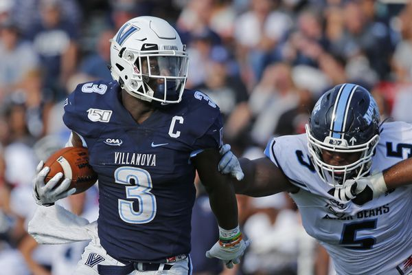 Villanova cruises to first 5-0 start since 2009 with 33-17 win over Maine