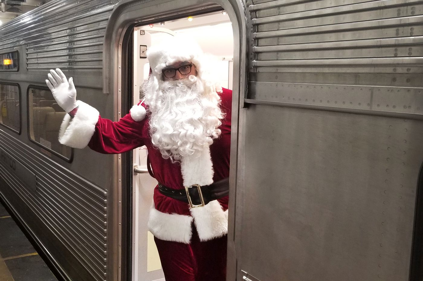 PATCO's Santa advises riders — and reads their Tweets | Kevin Riordan