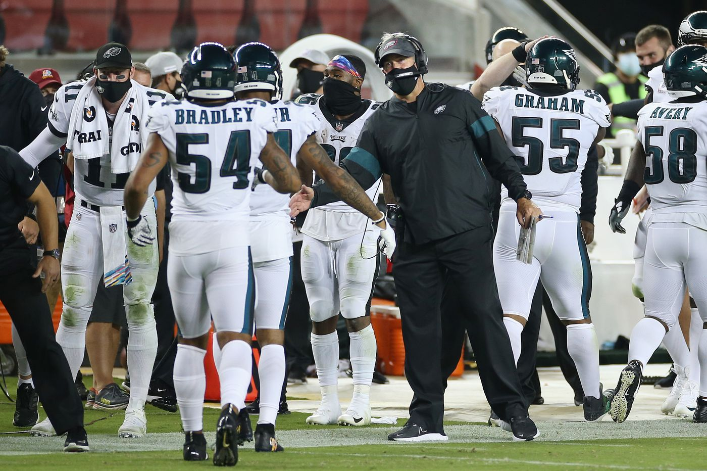 Week 4 recap: In first win, battered Eagles show no quit | Podcast