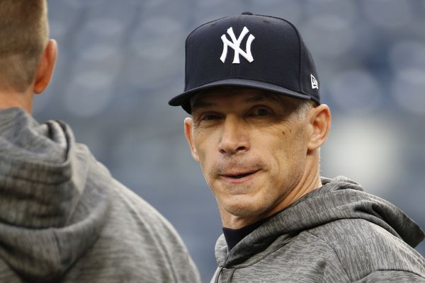 Phillies hire Joe Girardi as manager
