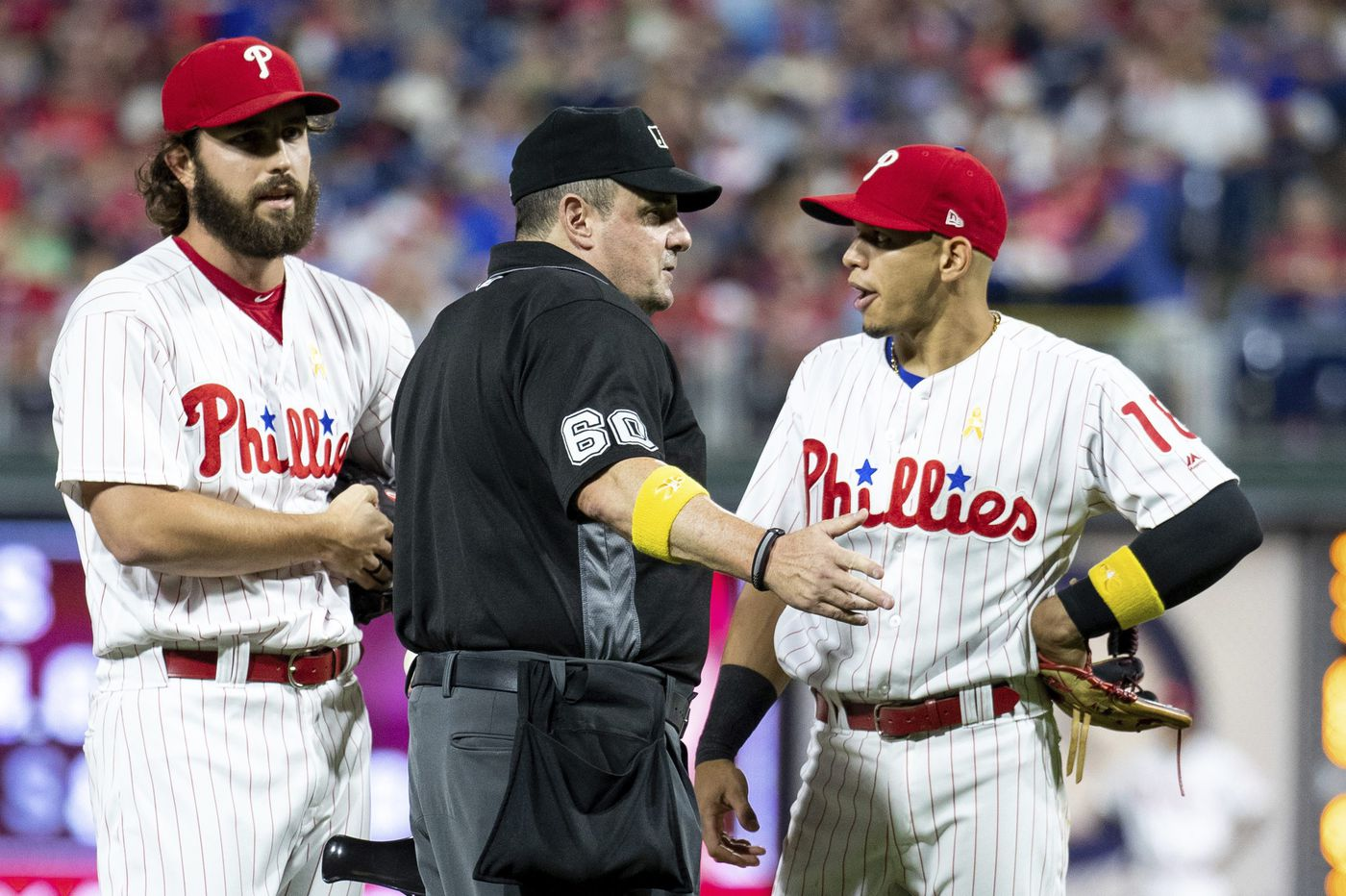 Umpires prevent Phillies reliever from using cheat sheet on opposing hitters