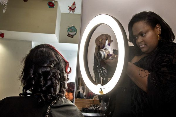 Inside the West Philly salon that's out for Internet domination