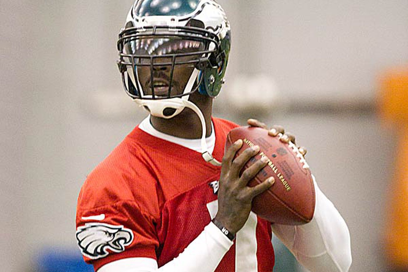 Eagles quarterback Michael Vick hopeful he can finish season on a positive note