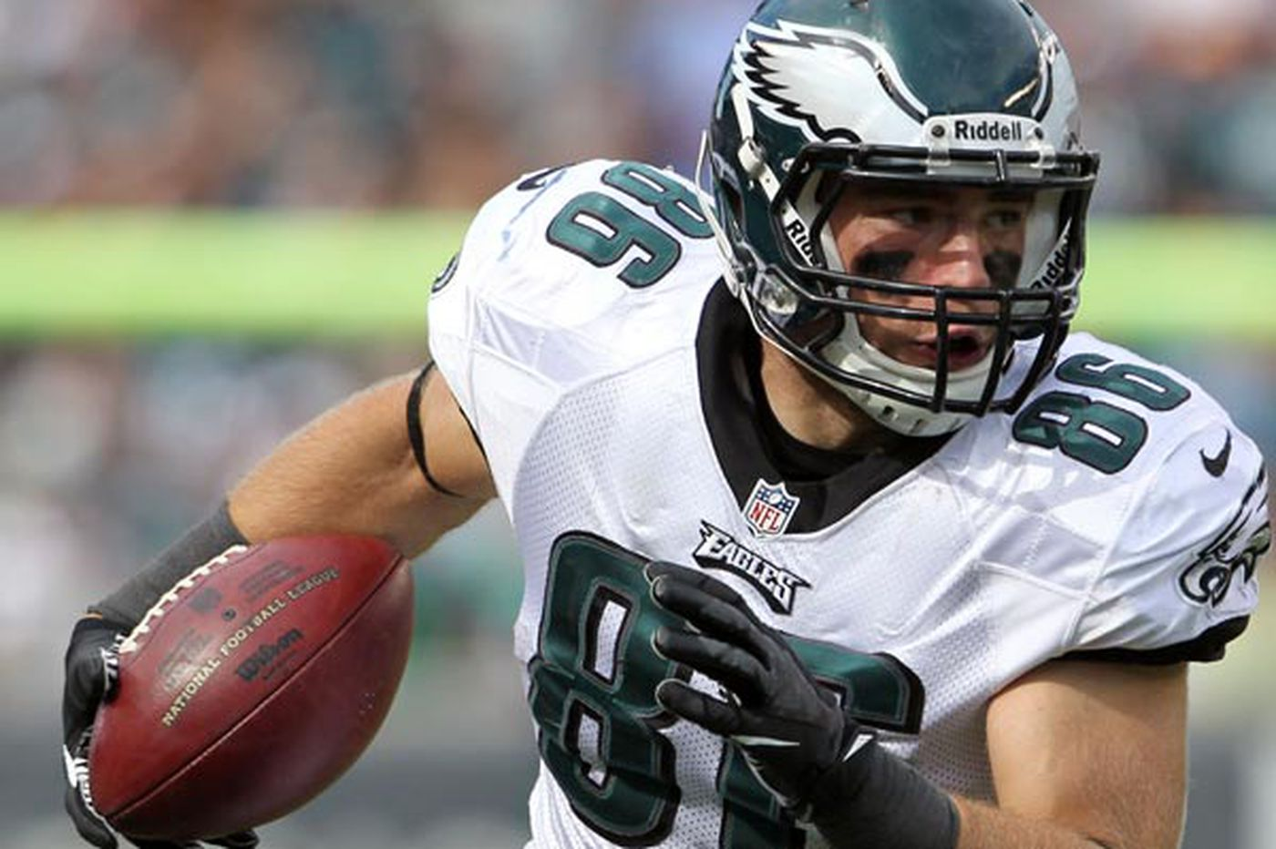 Ertz gaining traction in Eagles' offense