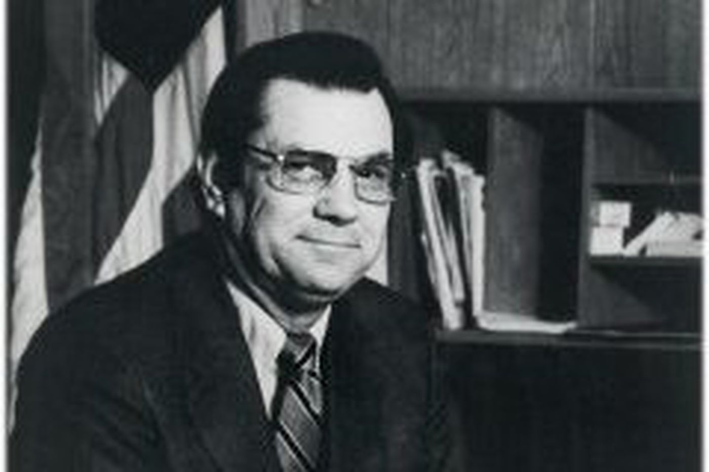 Neil J. Welch, 90, FBI agent who oversaw Abscam investigation