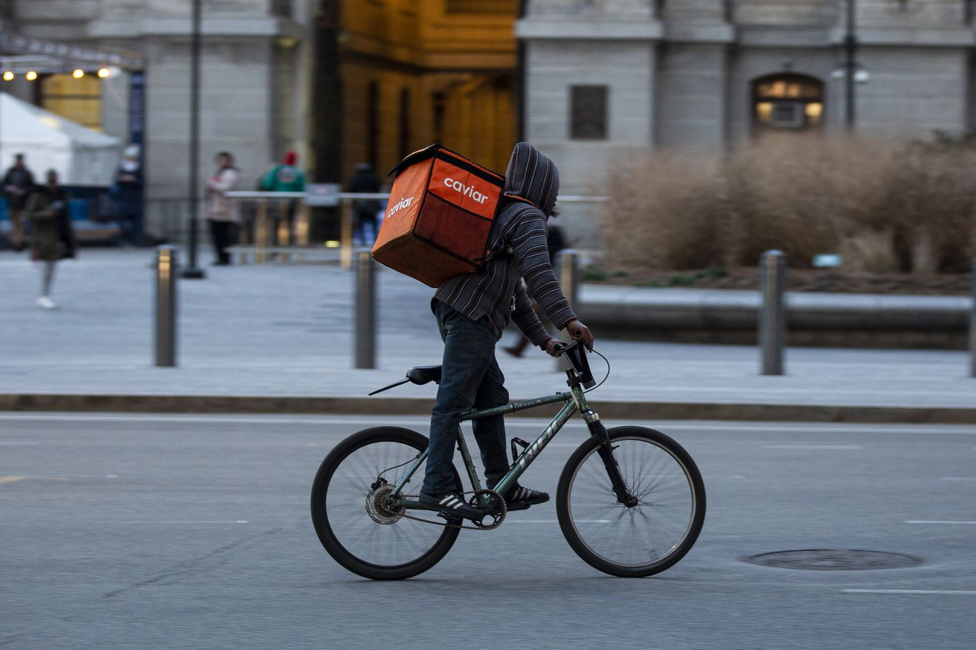 How Philly's new food-delivery law changes the rules for Grubhub, DoorDash, and other services