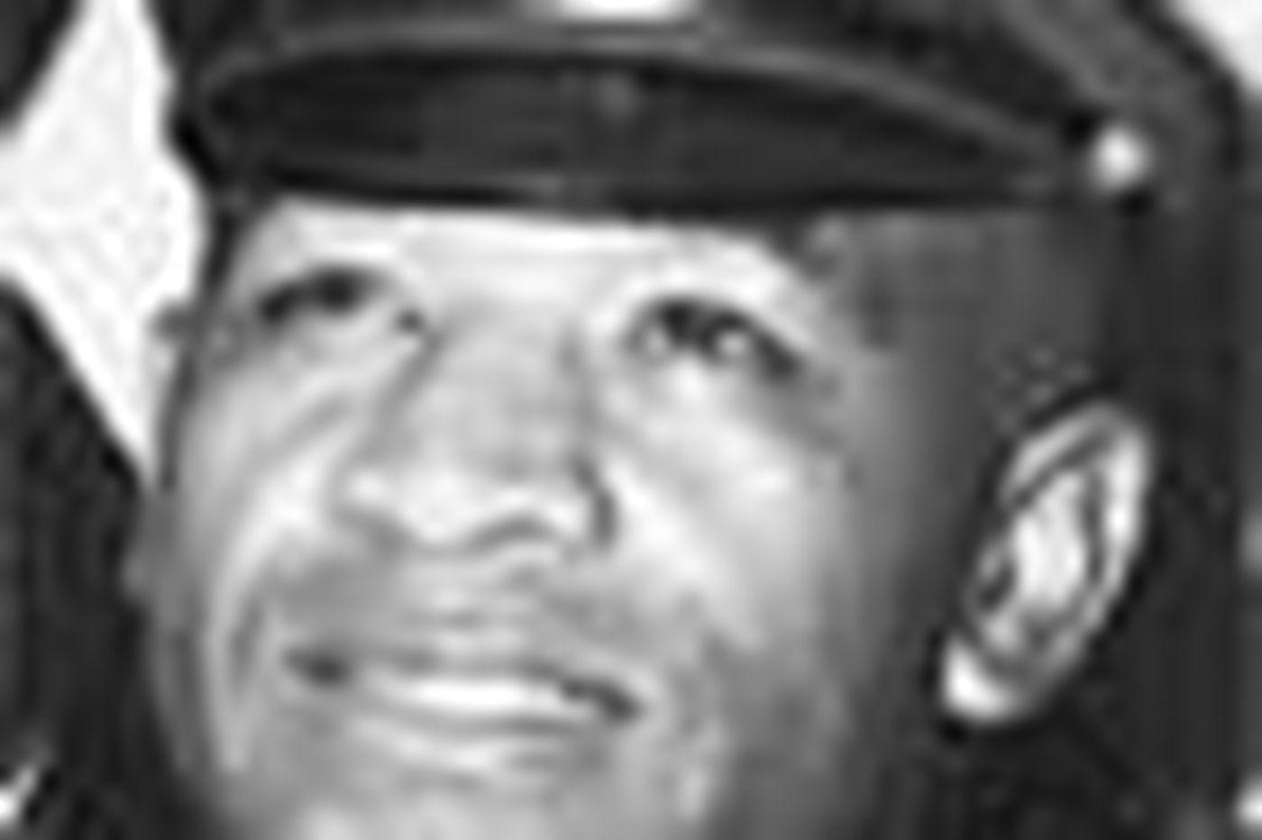 Bob Wells, a decorated veteran cop, dies at 85