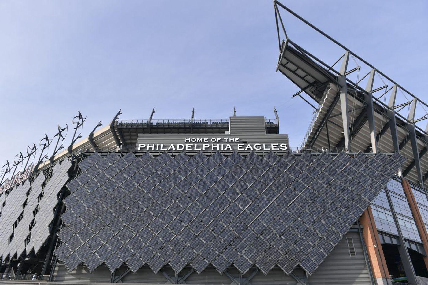 Green smackdown: Lincoln Financial Field vs. U.S. Bank Stadium
