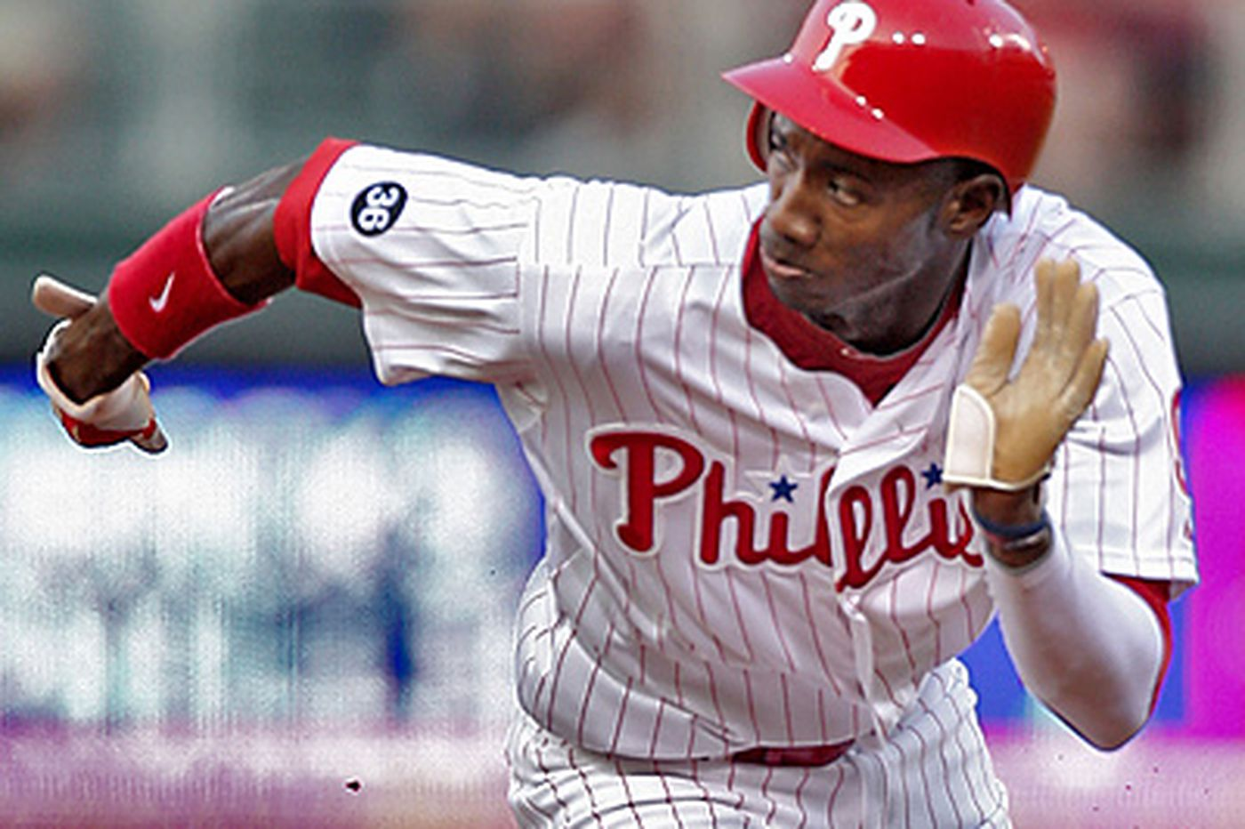 Phillies' Amaro empathizes with Brown's winter-ball struggles