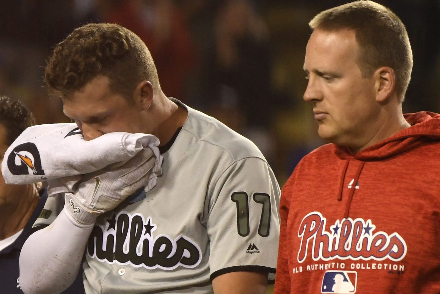 Rhys Hoskins could miss just 10 days with fractured jaw