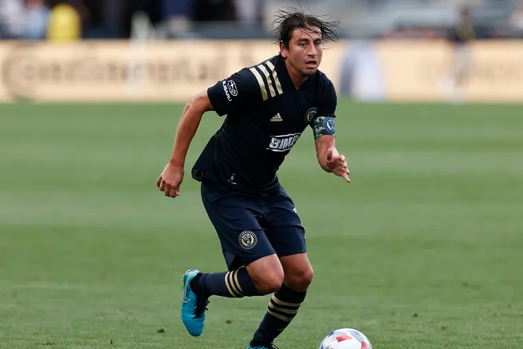 Union midfielder Alejandro Bedoya on the ball during Sunday's game.