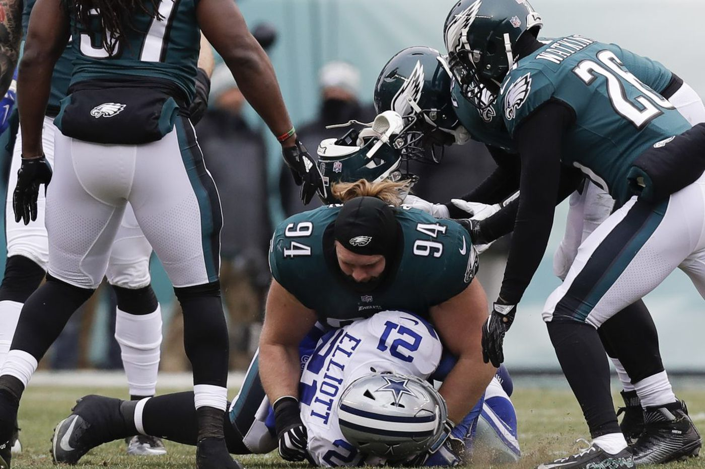 With offense struggling, Eagles' defense now must lead the way