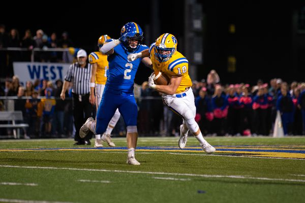 Stanley Bryant powers No. 6 Downingtown East to 28-24 upset of No. 2 Coatesville