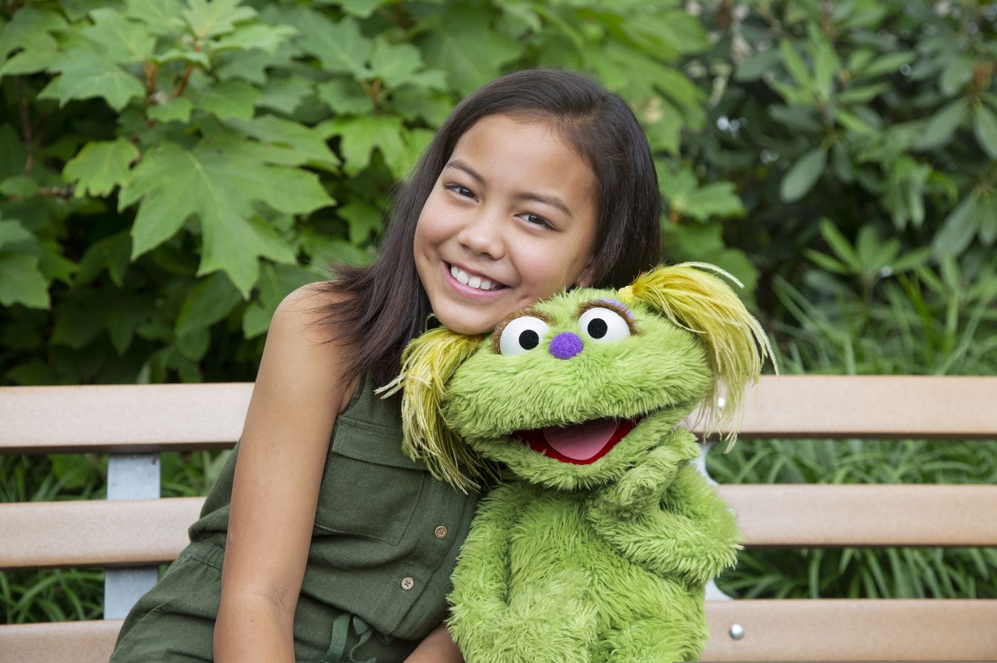 'We're not alone' — 'Sesame Street' tackles addiction crisis