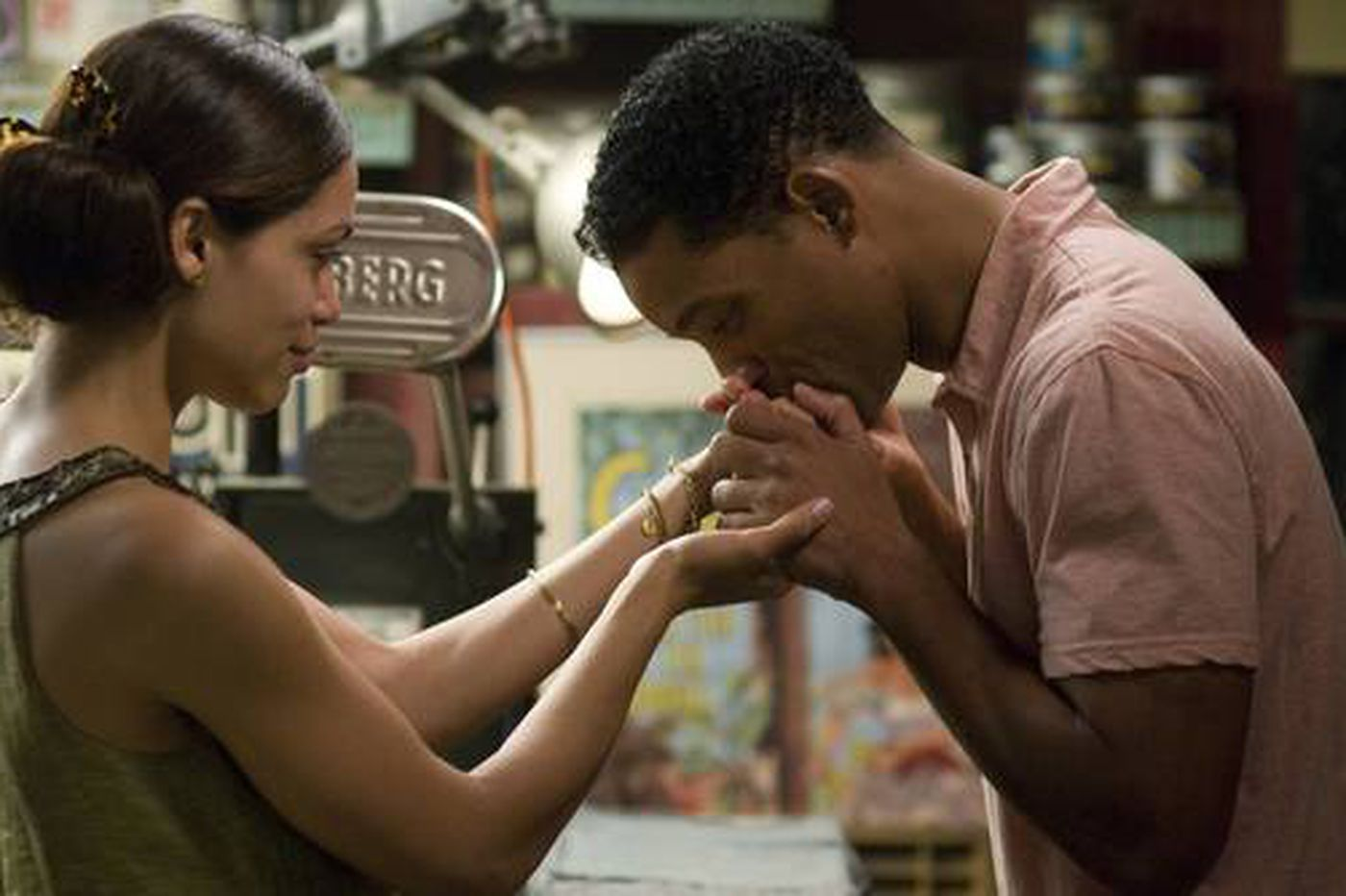 """""""Seven Pounds"""" a mix of heavyhearted and heavy-handed"""