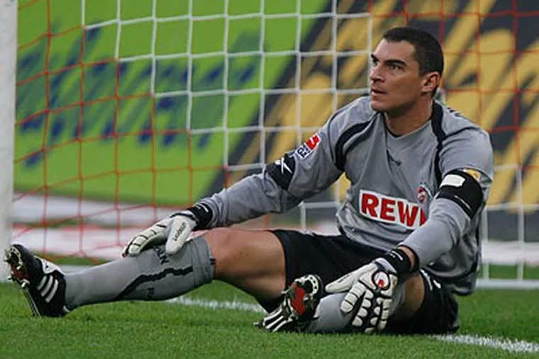 Colombian goalkeeper Faryd Mondragon is set to join the Union on a free transfer. (Hermann J. Knippertz/AP file photo)