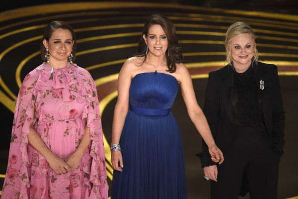 Watch Tina Fey, Amy Poehler and Maya Rudolph open the 2019 Oscars