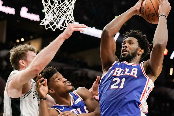 Sixers-Spurs observations: Non-existent defense, horrible shooting by team known for collapsing against formidable foes