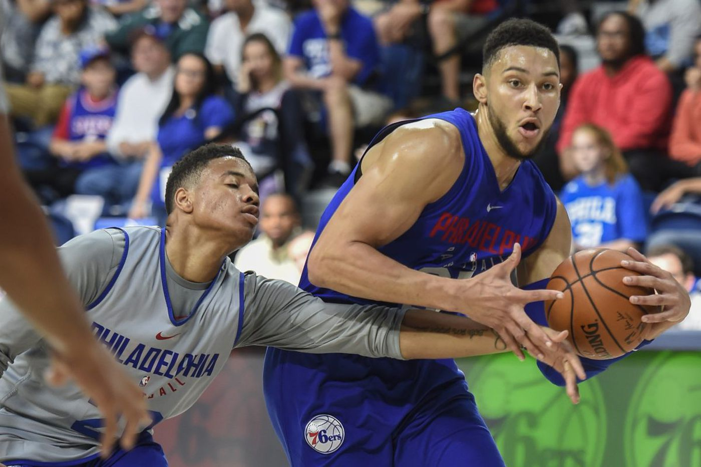 Ben Simmons dominates Sixers' 'Blue x White' scrimmage