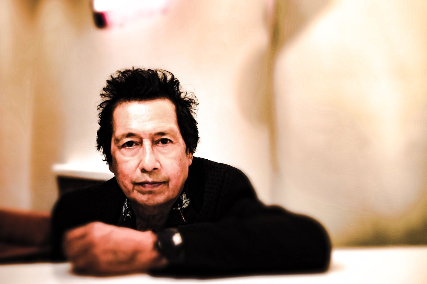 Alejandro Escovedo brings timely immigrant songs to Philadelphia with 'The Crossing'