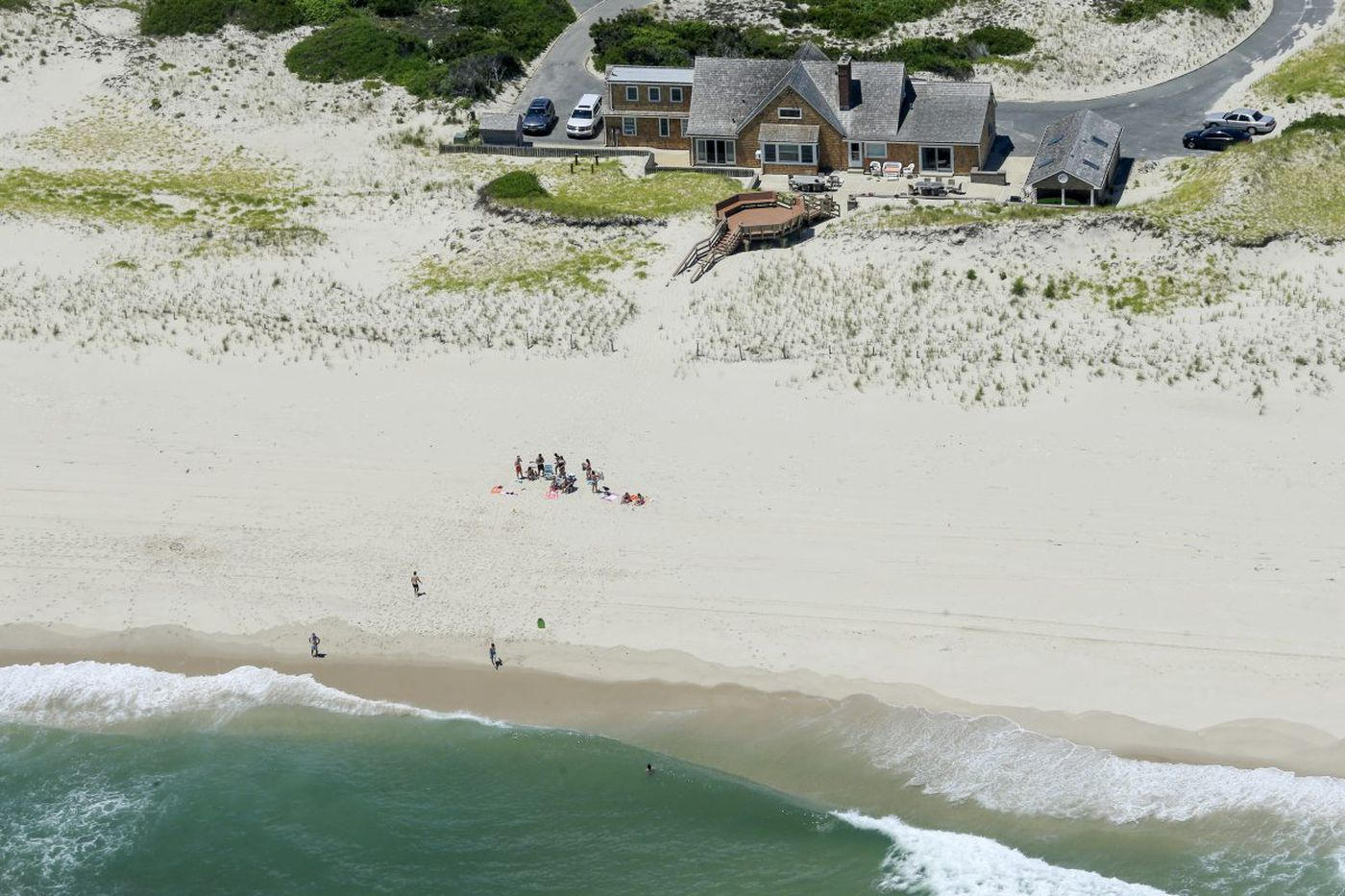 Chris Christie's day at the beach: Social media reacts