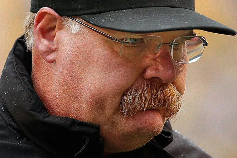 Eagles head coach Andy Reid isn't acting like a coach that is about to lose his job. (Ron Cortes/Staff Photographer)