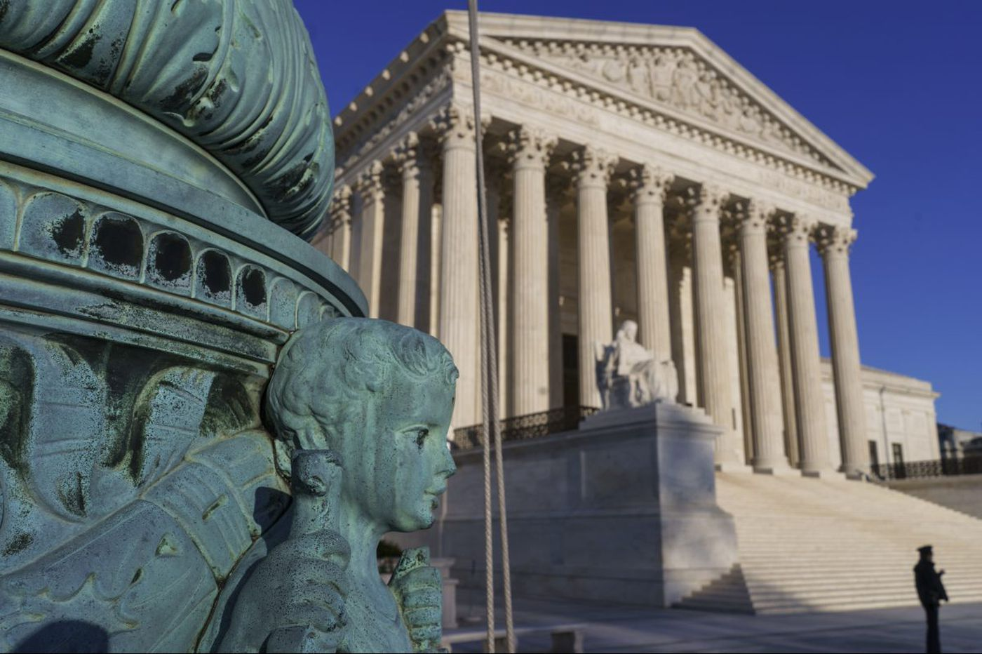 Supreme Court says businesses can force workers into arbitration to resolve disputes