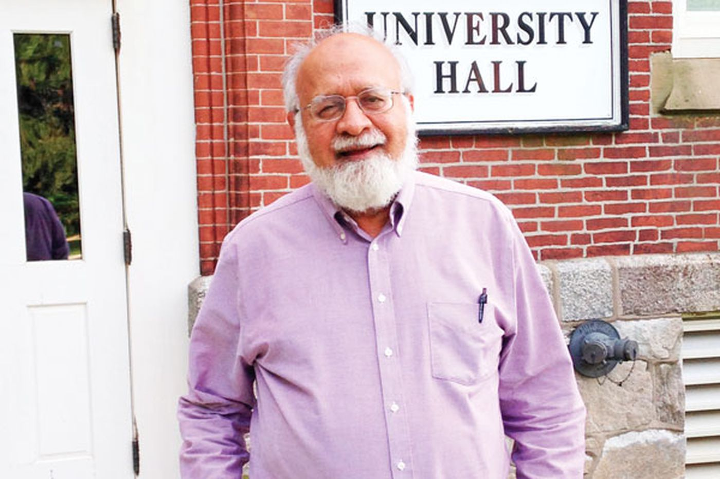 Lincoln professor says he will not hold back on inflammatory remarks