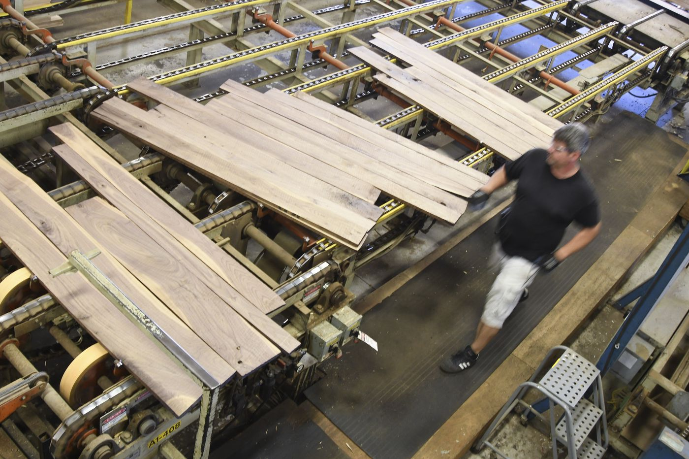 In rural Pa., Wood-Mode cabinet company comes back from the brink