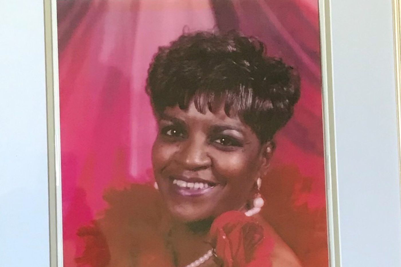 Lillian M. McCray, 73, office manager who loved to cook and help others