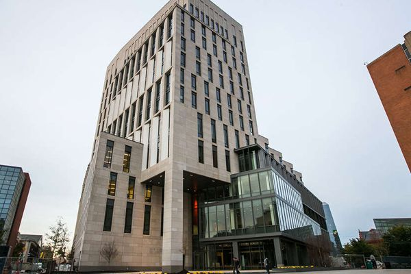 Changing Skyline: Drexel's new business school building takes its surroundings into account