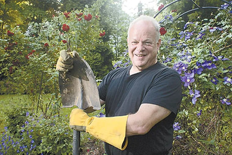 Martin Seligman, a Penn psychologist, helped redefine psychology, first with the concept of learned helplessness and then with positive psychology. His epiphany: that psychologists should study not only what makes people mentally ill but what makes some people happier than average. (Ed Hille / Staff Photographer)