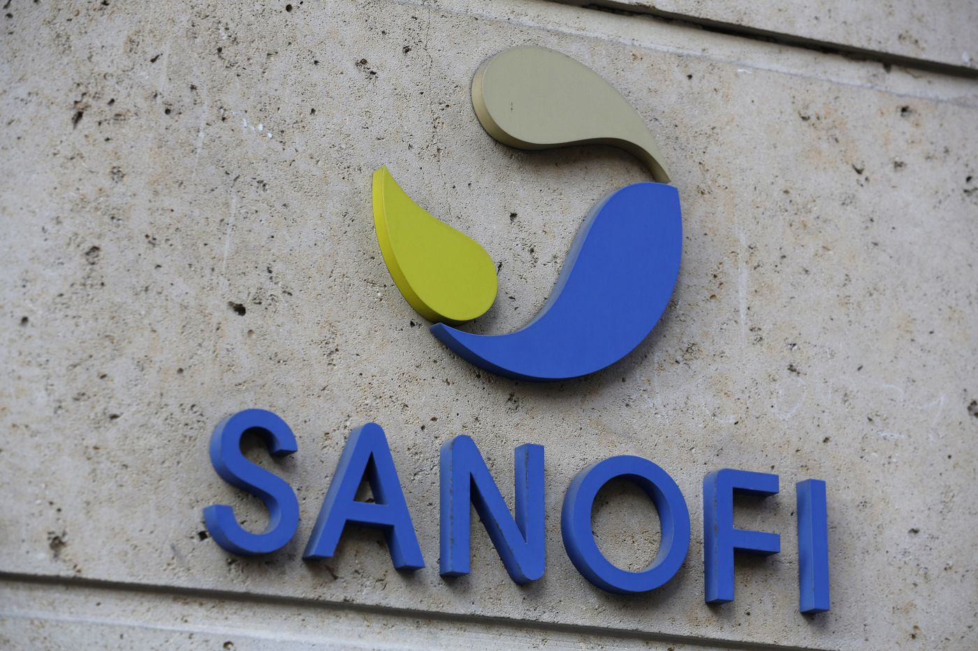 GlaxoSmithKline and Sanofi say their COVID-19 vaccine won't be ready until late 2021
