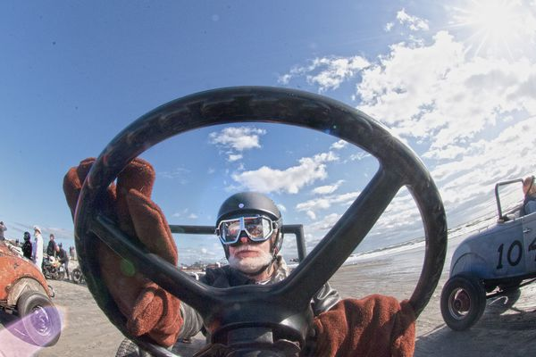 Beat the tide: Hot rods and motorcycles take over Wildwood for the Race of Gentlemen