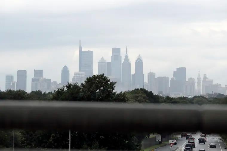 A hazy Philadelphia skyline as seen from I-95 southbound in South Philadelphia.