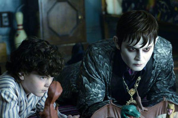 'Dark Shadows': A vampire tale that bleeds retro