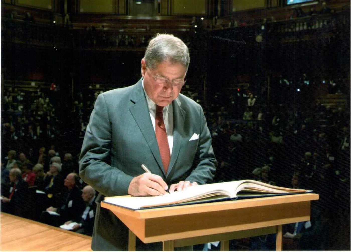 Knight Foundation CEO Alberto Ibarguen never far from own immigrant story