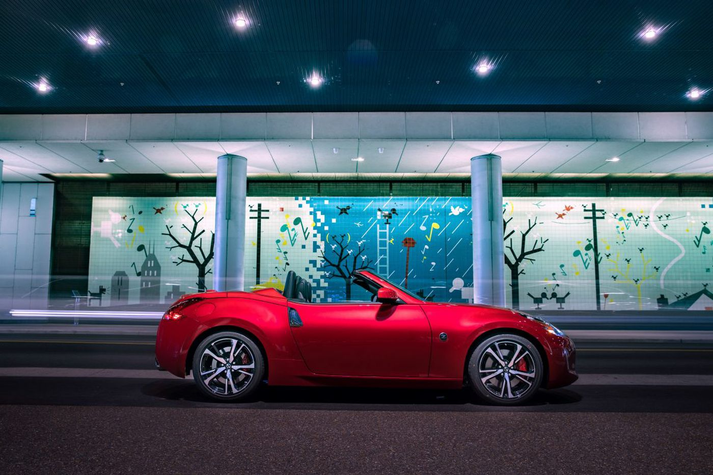 Fun, no yawns, in this new-generation Nissan Z roadster