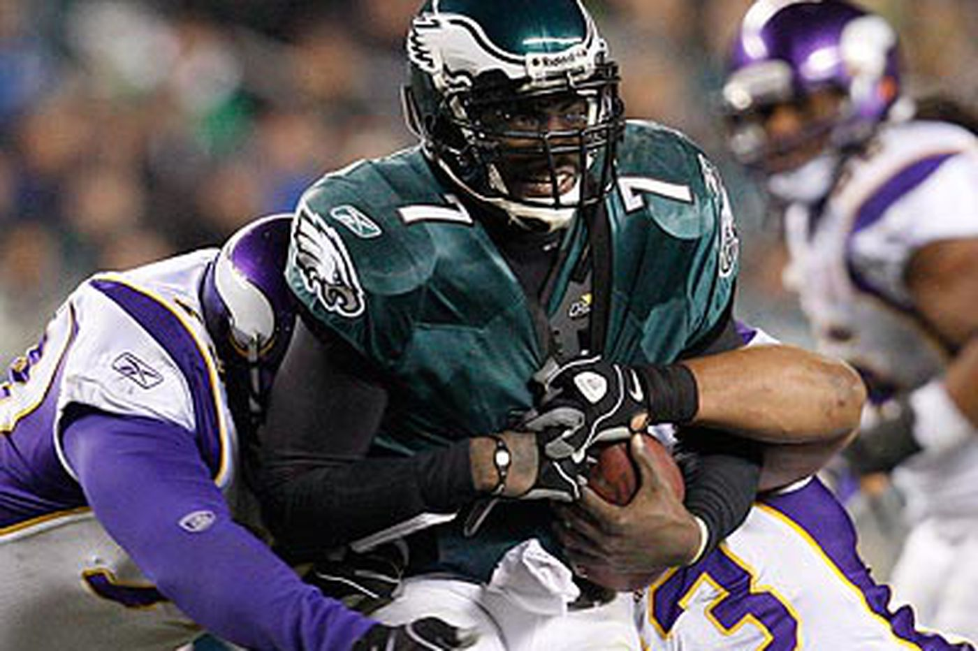 Domowitch: Vick plays like an old bird -- a Falcon