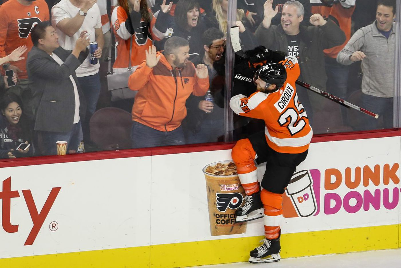 Michal Neuvirth, second-period eruption carry Flyers to 5-1 win