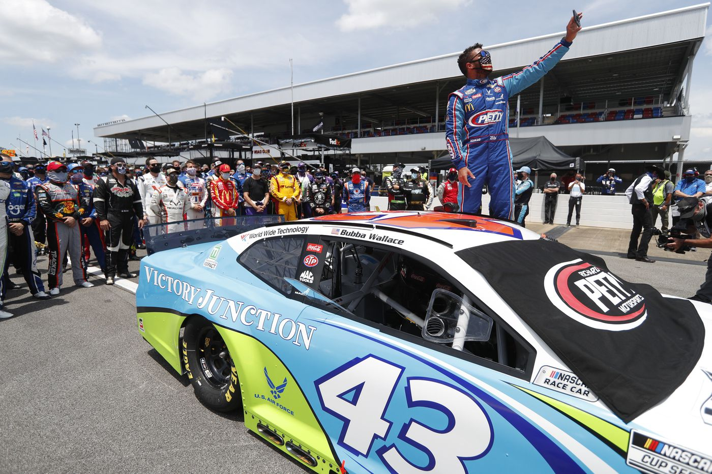 Sports chatter: NASCAR releases image of garage pull rope fashioned like a noose