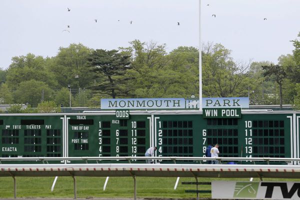 New Jersey's Monmouth Park could start taking sports bets within weeks