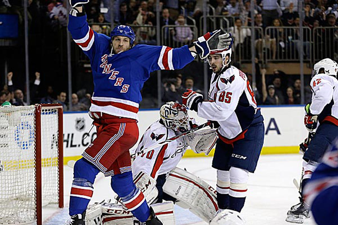 Rangers even series with Capitals