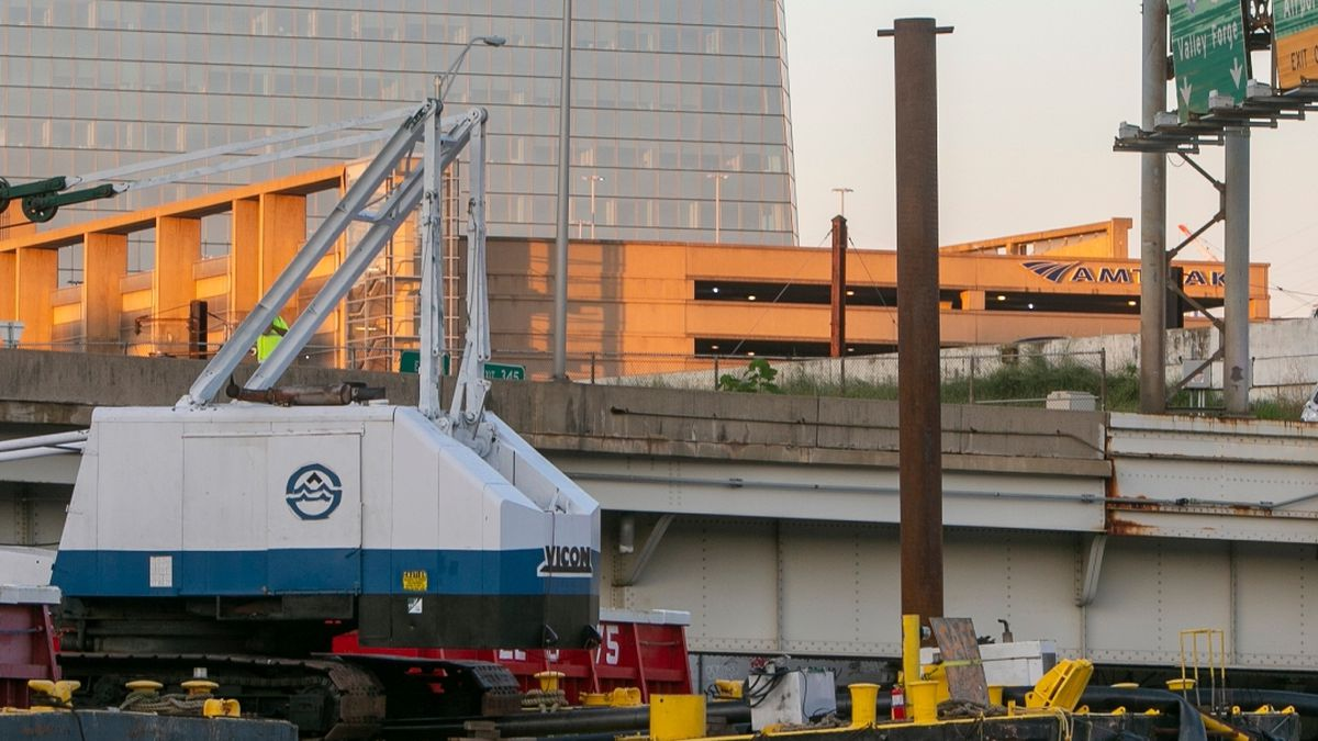 100-ton barge closing I-676 to traffic removed