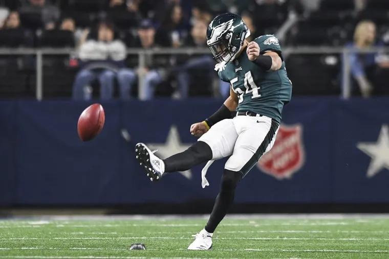 Eagles reserve linebacker Kamu Grugier-Hill kicks off Sunday night.
