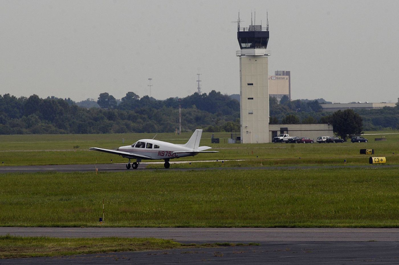 End of internet dead zone? Northeast Philly Airport hopes to have high-speed internet before 2020.