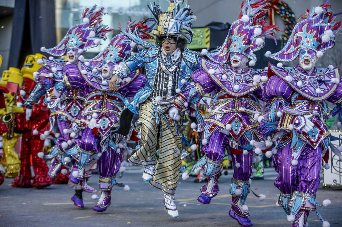 Mummers crusade through cold, Eagles' playoff concerns, New Year's resolutions that stick | Morning Newsletter